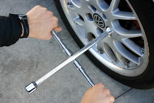 Radkreuzschlüssel faltbar