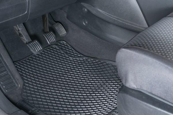 Automatte Gummimatte Robust Vordermatten schwarz