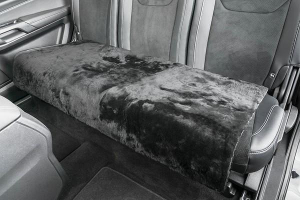 Lammfell Rückbank-Auflage Cacey schwarz 120x60 cm