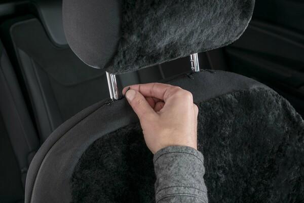 Autositzbezug Iva aus Lammfell schwarz mit ZIPP IT System