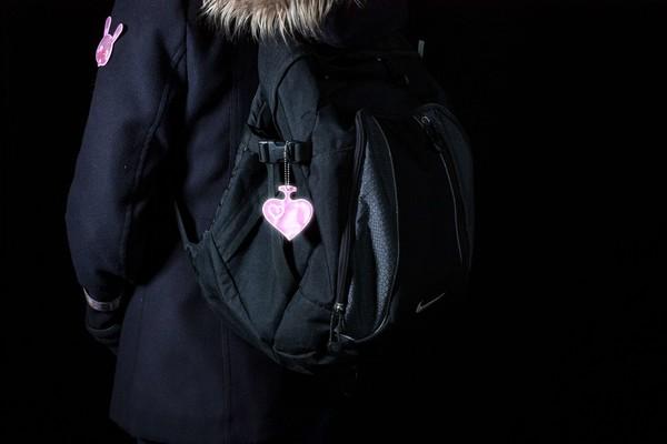 Reflektierender Soft Anhänger Herz rosa